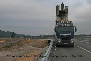 Blåsning av makadam vid ny bro som Peab Anläggning har byggt!
